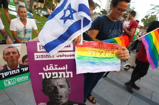 Il titolare dell'Istruzione Peretz attacca liberal e gay: e rischia di alienare molti elettori a Netanyahu