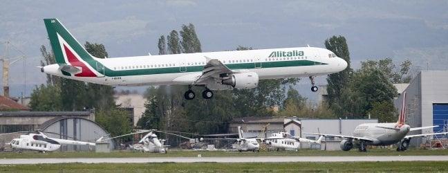 Alitalia, il cda di Fs ha scelto Atlantia (Benetton) come partner con Delta e Mef