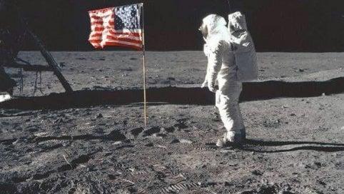 L'uomo sulla Luna, lo sbarco impossibile che oggi fa sognare Marte di MATTEO MARINIPerché ci torneremo di LUCA FRAIOLIRacconto interattivo di GEDI VISUALLo speciale a cura di G.S.BARCELLONA e G.MORESCO