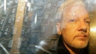 Cnn: Julian Assange era in contatto con intelligence russa