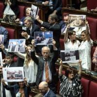 Moscopoli, Salvini non riferisce in aula. Alla Camera i dem occupano commissione