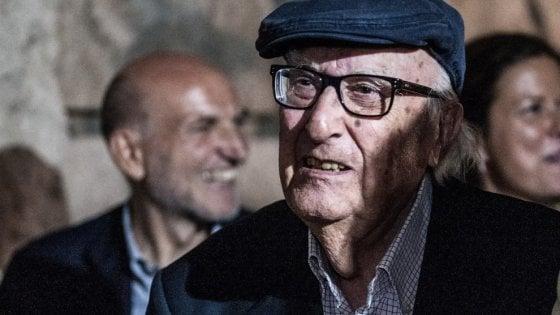È morto Andrea Camilleri, papà di Montalbano, scrittore e maestro nato per raccontare storie