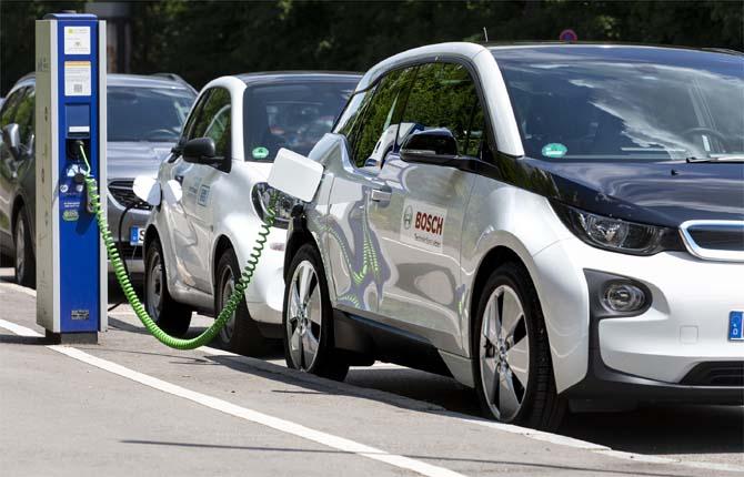 Batteria nel cloud, idea Bosch per i veicoli elettrici
