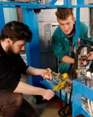 Un centro per minori in Sicilia e corsi di formazione in Sardegna: così l'Ue aiuta i giovani