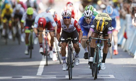 Ciclismo, Tour de France: Ewan si sblocca a Tolosa, Alaphilippe resta in giallo