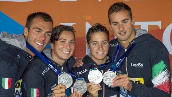 Nuoto, mondiali fondo: argento staffetta mista 5 km, Paltrinieri è super nel finale