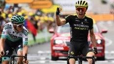 Tour, a Yates la prima sui Pirenei. Alaphilippe conserva maglia gialla. Nibali a 26' dalla vetta. Giallo su ritiro Dennis