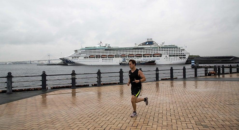 Hotel non bastano: arrivano le navi -   ft