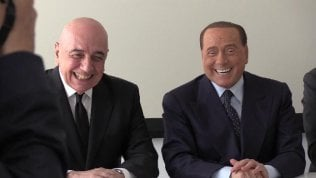 """Berlusconi dopo il lapsus di Galliani: """"Ha tre mogli di Monza"""""""