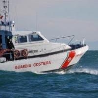 Lampedusa, 49 migranti approdano a bordo di due barchini; altro sbarco a Siculiana