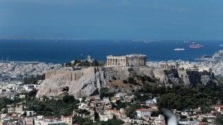 Atene, terremoto del 5,1: abitanti in strada, black out telefonici e nell'elettricità La scossa video