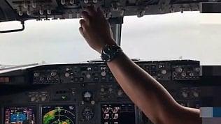"""""""Voliamo troppo bassi!"""": la voce del pilota prima dell'incidente"""