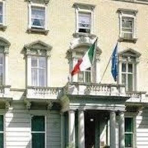 Due cavalieri dell'amicizia italo-britannica insigniti all'Ambasciata di Londra