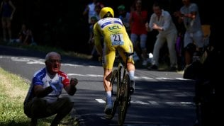 Tour de France, capolavoro di Alaphilippe: vince la crono in giallo. Domani il Tourmalet