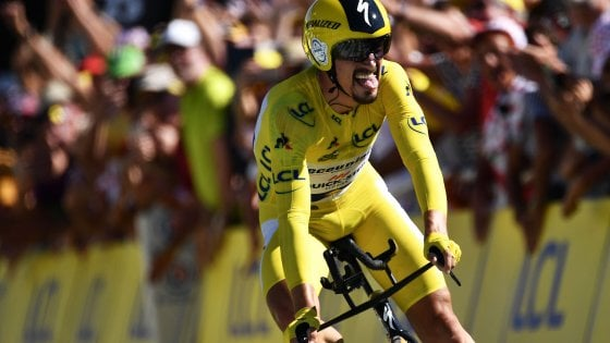 Ciclismo, Tour de France: capolavoro di Alaphilippe, vince la crono in giallo. Ora il Tourmalet