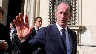 Veneto e Lombardia furiose. Zaia: 'Conte ci ha presi in giro'. Fontana: 'Non firmo' video