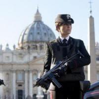 """Terrorismo, allarme a Roma: si cerca un siriano: """"Andrò in paradiso"""""""