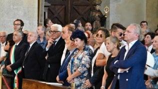 Il saluto di Napoli: 'Mare negli occhi, il Vesuvio nel cuore'