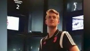 De Ligt entra per la prima volta nella sala dei trofei bianconeri