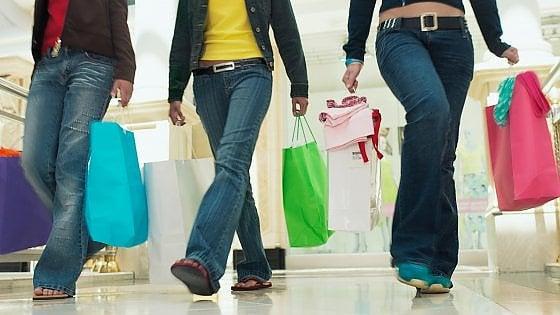 L'allarme di Confesercenti sui consumi: Un miliardo di vendite in meno nel 2019