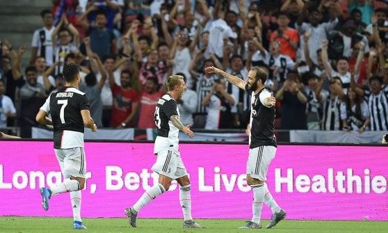 Juventus, a Sarri non bastano Higuain e Ronaldo: magia Kane, il Tottenham vince 3-2 al 93'