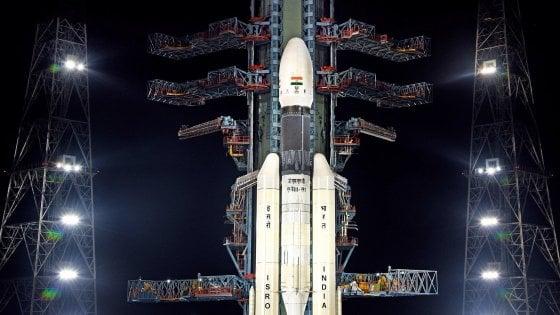 L'India ci riprova: lanciata la missione lunare Chandrayaan-2