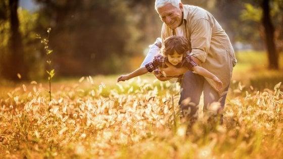 Bimbi in vacanza con i nonni, vademecum per affrontare il distacco dai genitori