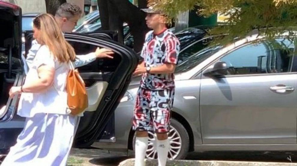 Ma come ti vesti?! Da Bennacer a Cassano, i look più bizzarri dei calciatori