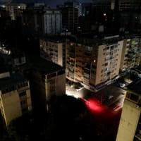 """Nuovo blackout in Venezuela. Per il ministro della comunicazione è un """"attacco e..."""
