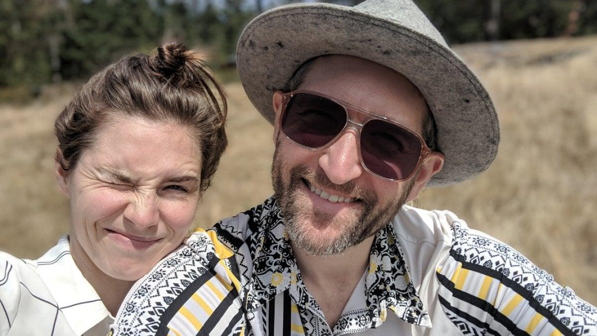 Amanda Knox e il fidanzato lanciano una raccolta fondi per il matrimonio