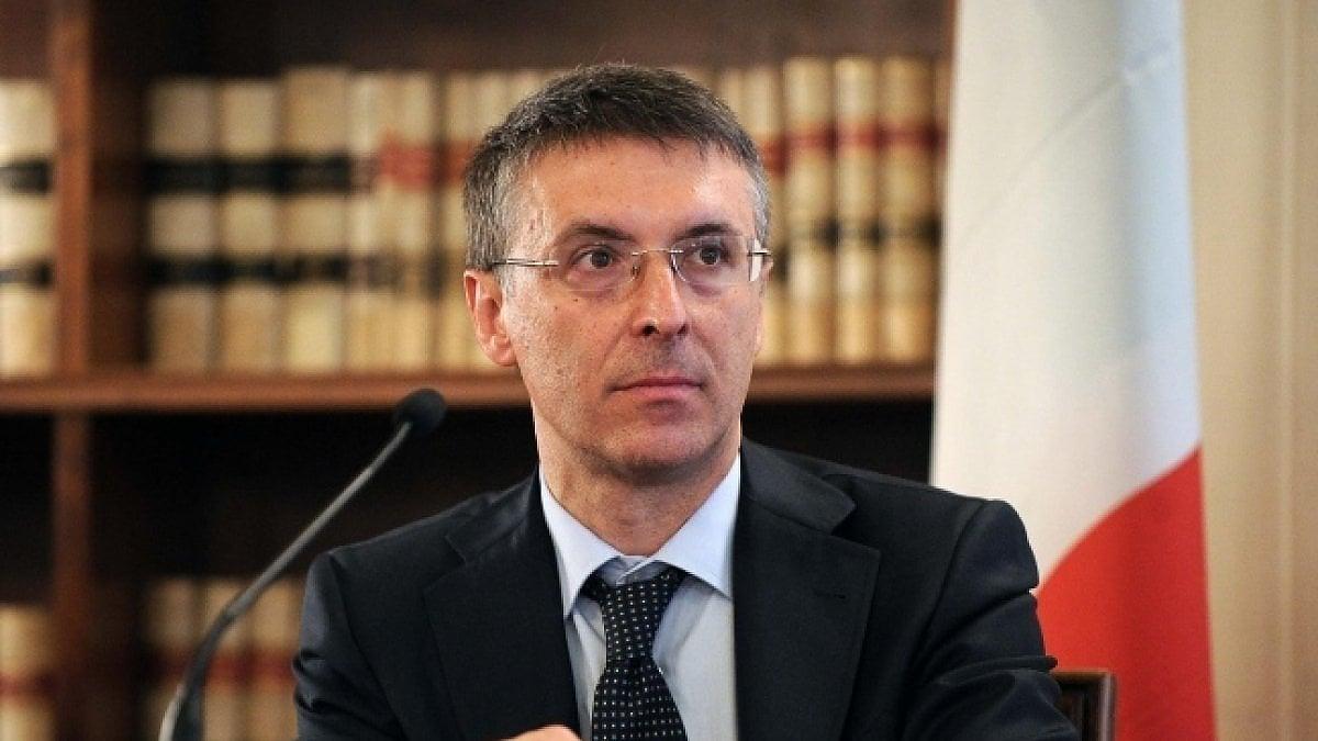 """Raffaele Cantone lascia l'Autorità anti-corruzione: """"Voglio rientrare in magistratura in questo momento difficile"""""""