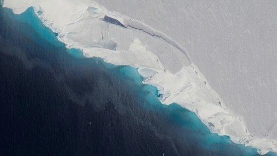 Antartide: i ghiacciai si stanno disintegrando. Cannoni sparaneve contro lo scioglimento
