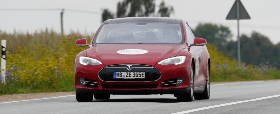 "Apple, continua lo ""shopping"" di ingegneri Tesla"