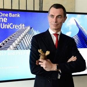 Tagli a Unicredit, l'ad Mustier scrive ai dipendenti: Gestiremo tutto con prepensionamenti
