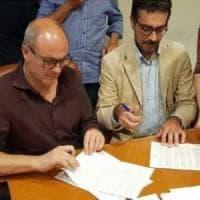 Firmato il nuovo contratto dei medici, era atteso da 10 anni: 200 euro di aumento medio...