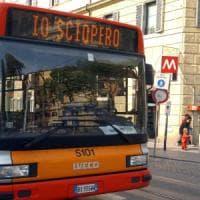 Sciopero, il mercoledì nero dei trasporti: si fermano treni, metro, bus e navi