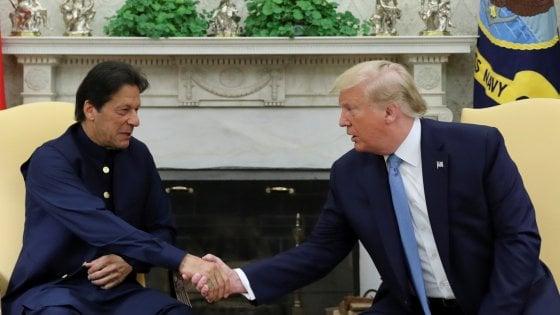 """Trump: """"Potrei distruggere l'Afghanistan in dieci giorni"""". Dura reazione dell'Iran: """"Parole razziste e pericolose"""""""