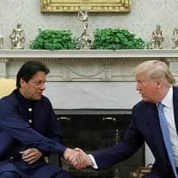 """Trump: """"Potrei distruggere l'Afghanistan in dieci giorni"""". Dura reazione dell'Iran:..."""