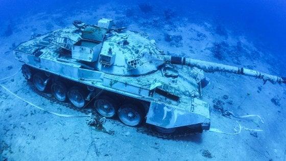 Carri armati, elicotteri e mezzi blindati: ad Aqaba il diving è su un museo sommerso militare