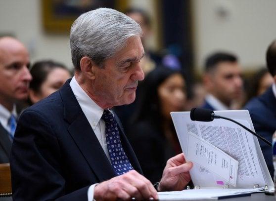 """Russiagate, Mueller in audizione alla Camera: """"Possibile incriminare Trump a fine mandato"""""""