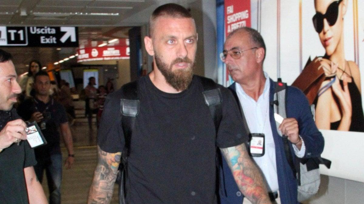 Boca Juniors, è già De Rossi-mania: l'ex Roma sbarcato a Buenos ...