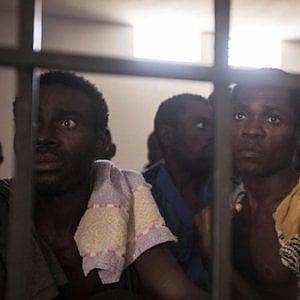 ONG, chiedono alla Commissione africana sui diritti dell'uomo di indagare sulle violenze ai danni dei migranti in Libia