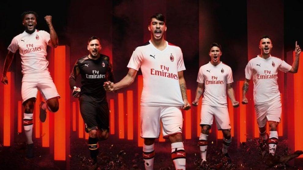 Milan, svelata la nuova maglia da trasferta