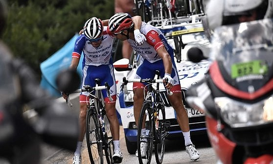 Ciclismo, Tour de France: la grandine ferma la tappa. Bernal sfila la gialla ad Alaphilippe, Pinot si ritira in lacrime