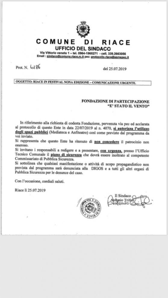 Riace, la nuova giunta nega i patrocini alla iniziative legate a migranti e all'era Lucano