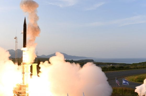 "Israele, test segreti del missile Arrow-3 in Alaska. Netanyahu: ""Risultati inimmaginabili"" e Trump si congratula"