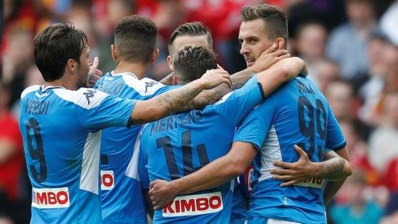 Il Napoli cresce e dà spettacolo, 3-0 al Liverpool: in gol Insigne, Milik e Younes