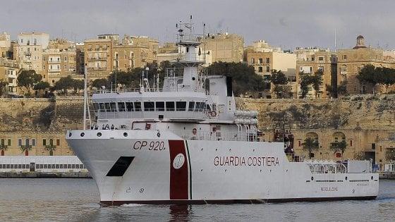 Aperto un fascicolo sulla nave Gregoretti, il capitano sentito in procura