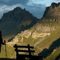 La grande meraviglia di scoprire se stessi nell'Italia dei sentieri. Camminando