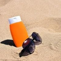 Sole: consigli pratici per proteggersi dal melanoma